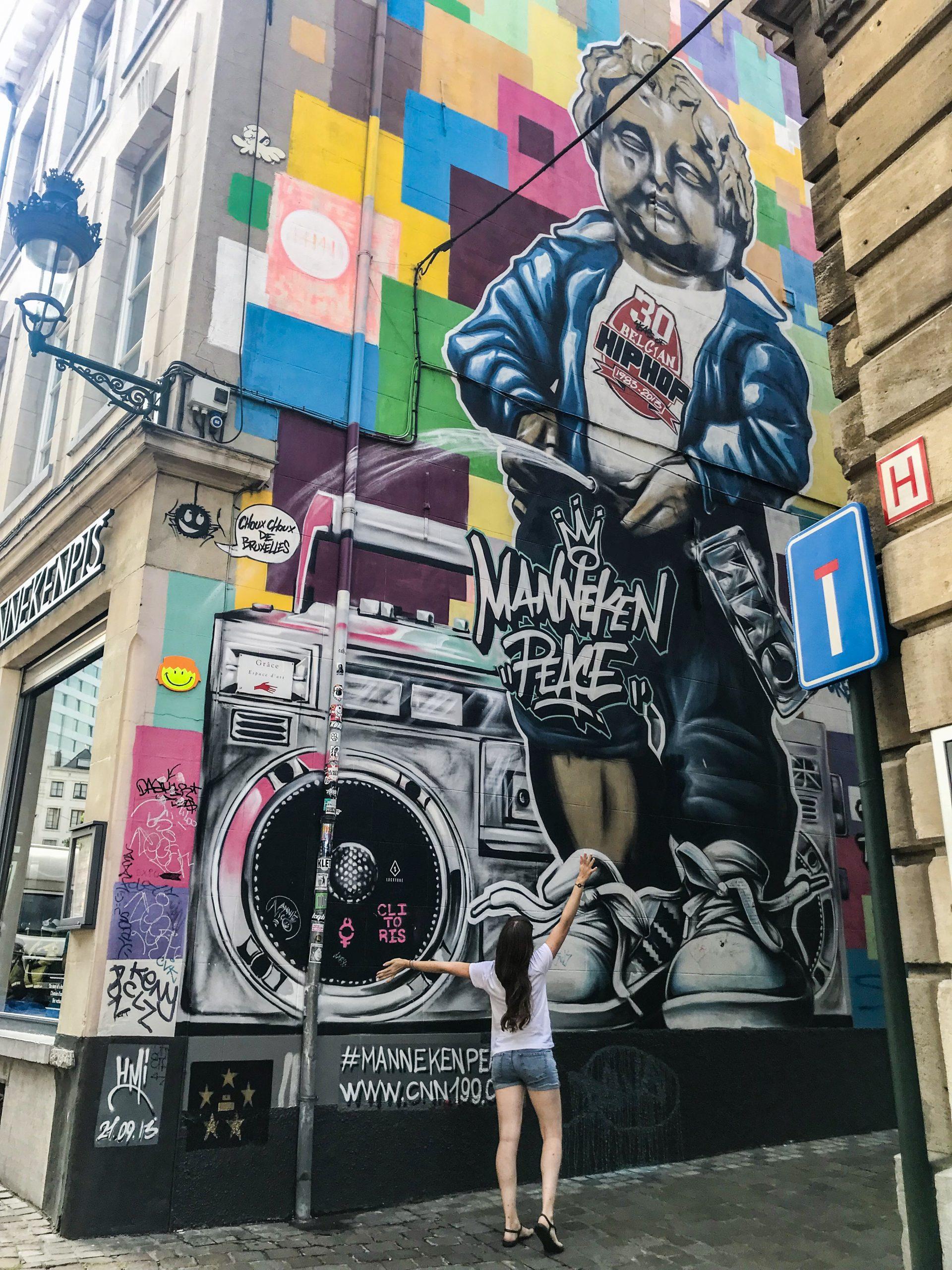 bruxelles manneken pis street art