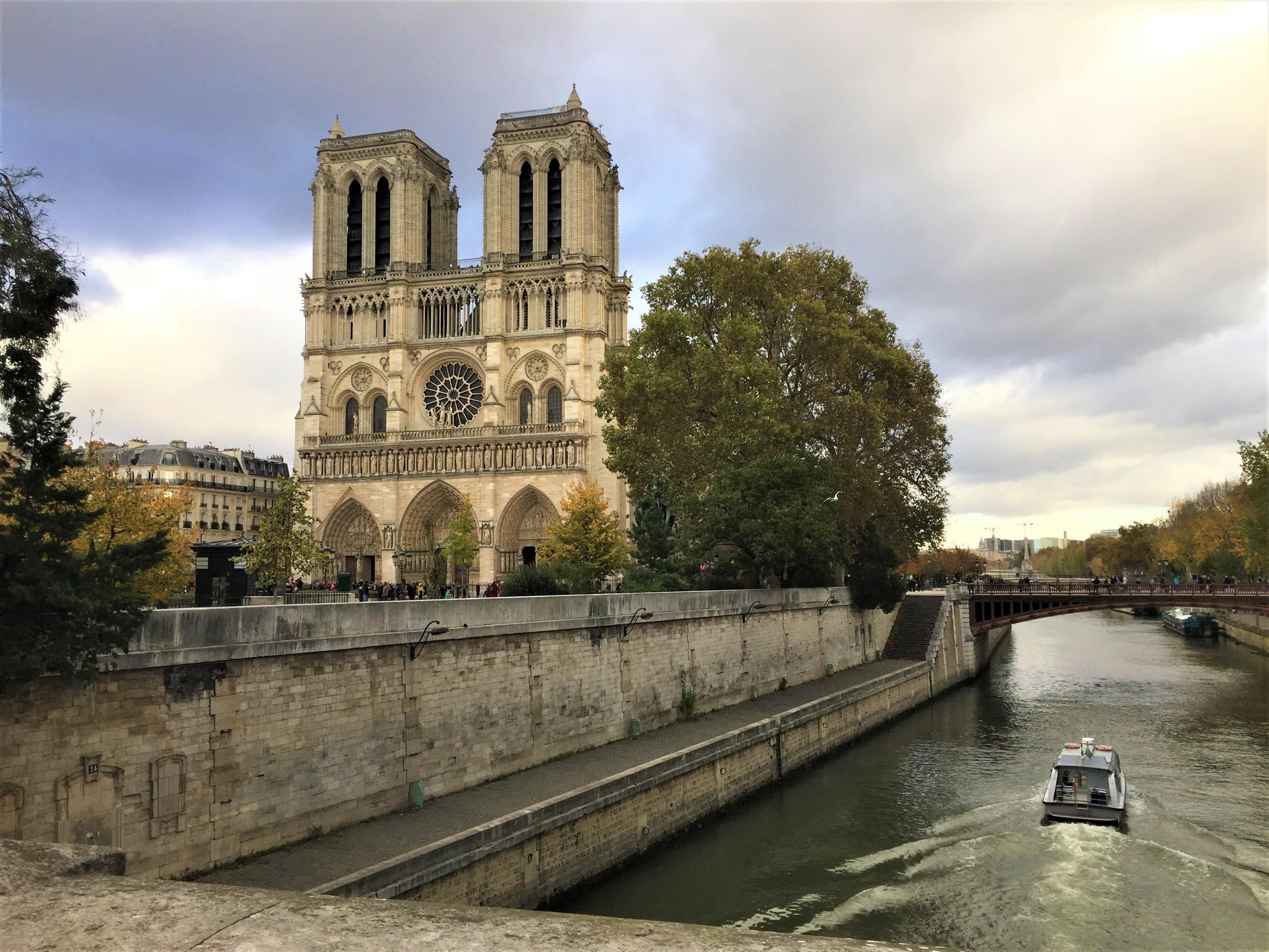 notre dame de paris week-end insolite à paris