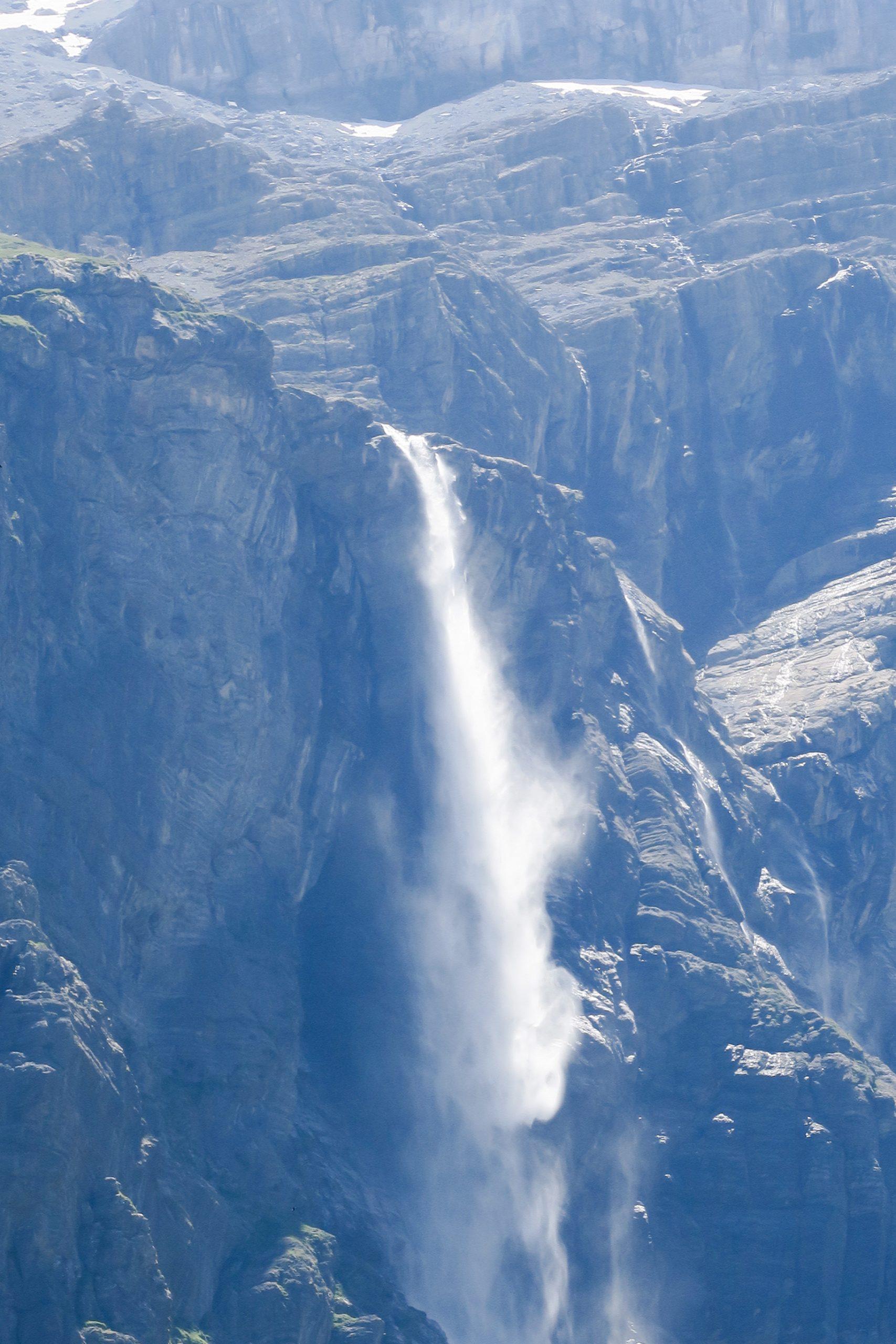 cascade du cirque de gavarnie hautes pyrénées