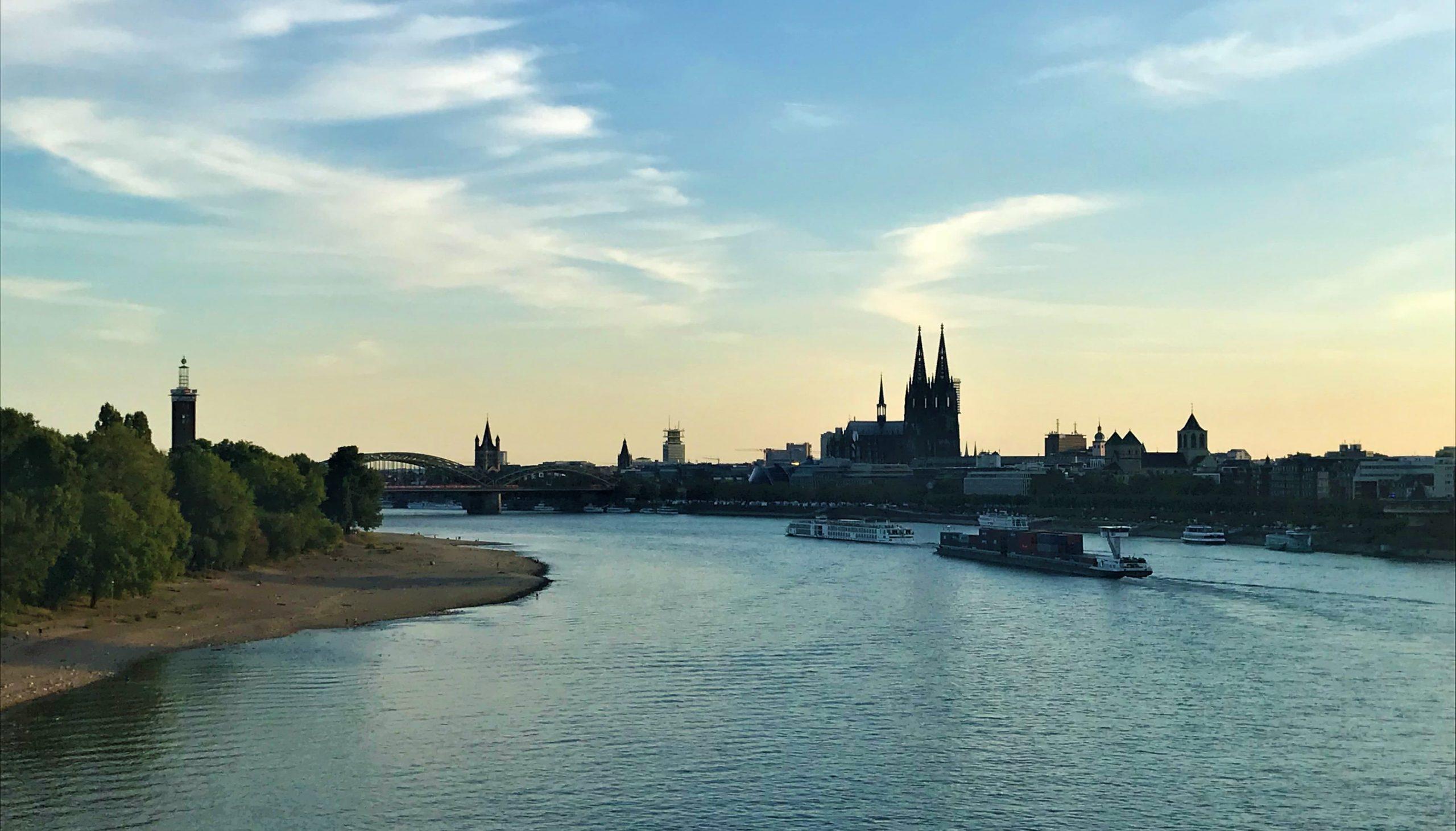 les quais du Rhin à Cologne