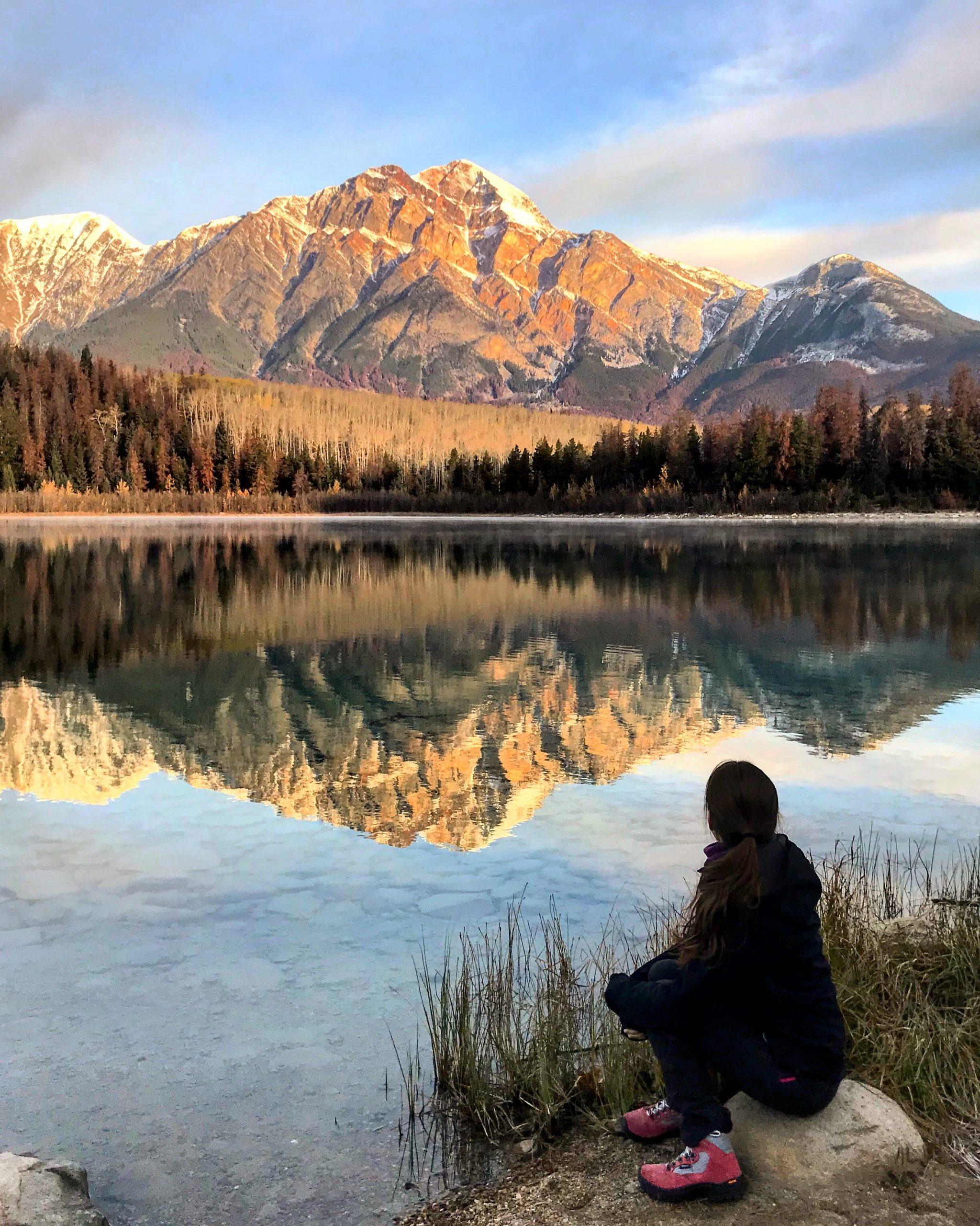 le lac patricia dans les rocheuses canadiennes