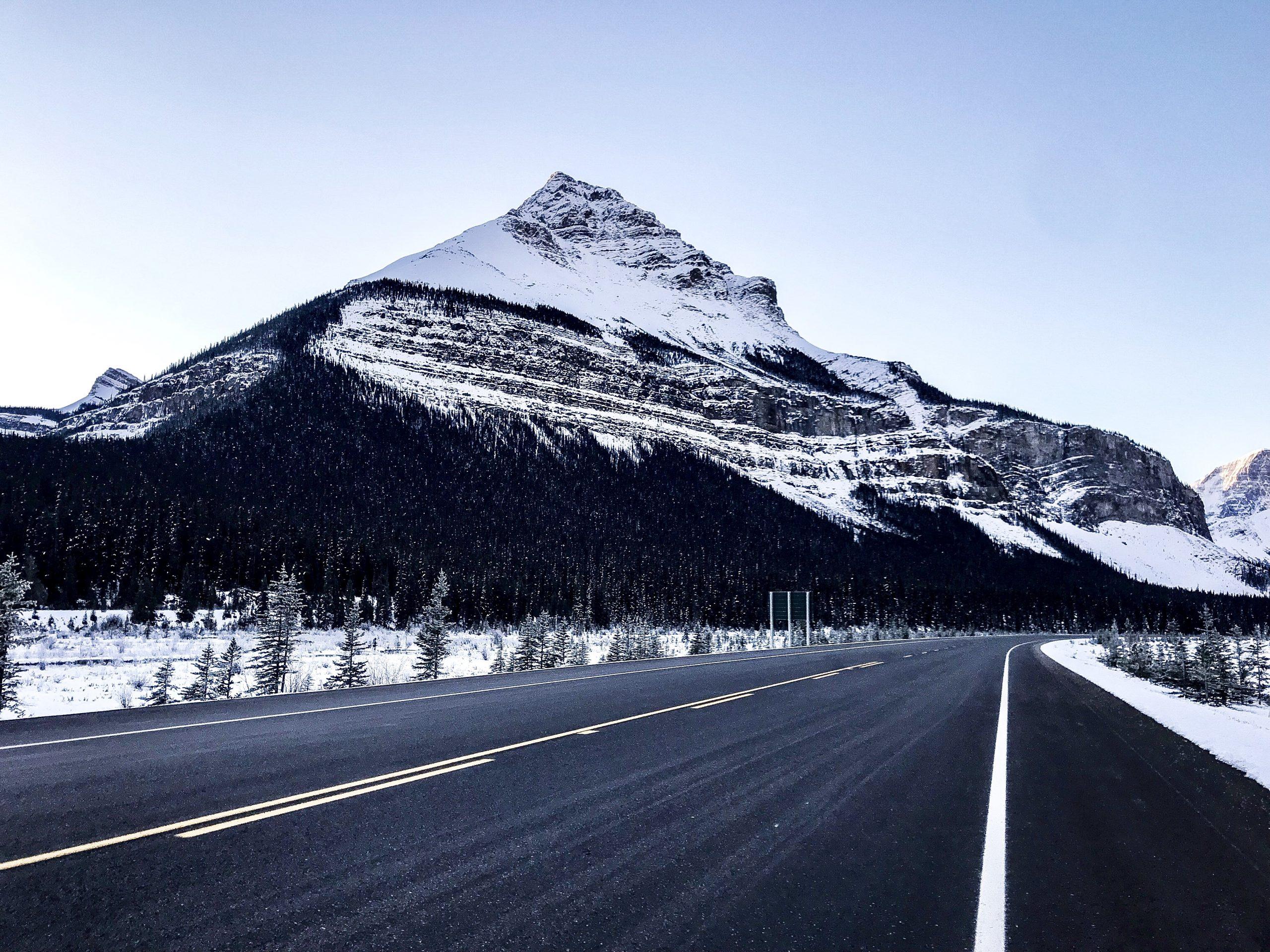 promenade des glaciers road trip dans les rocheuses canadiennes