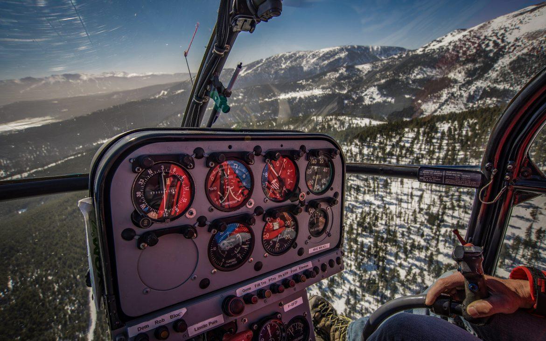 Vol en hélicoptère au dessus des Pyrénées-Catalanes