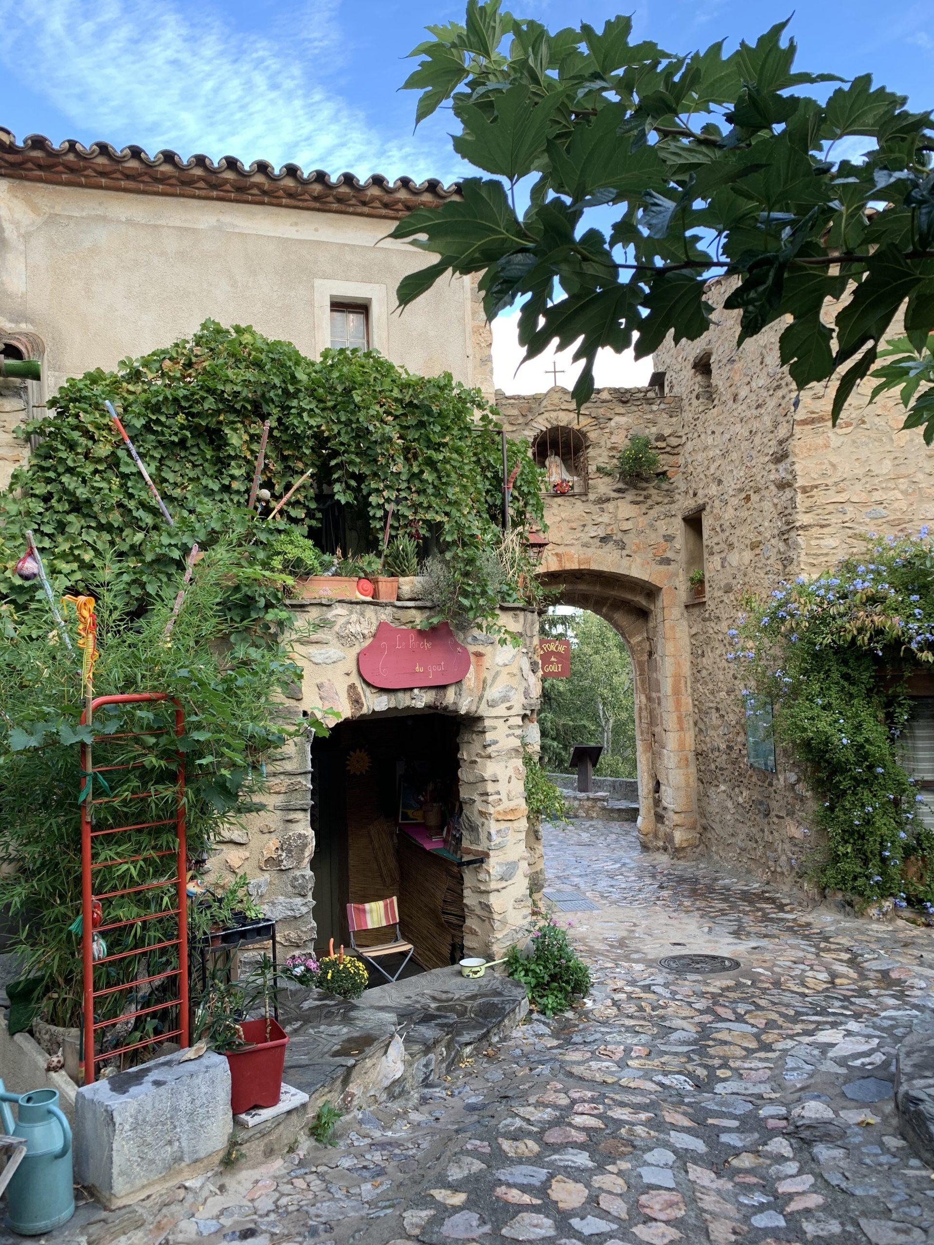 castelnou plus beau village de france