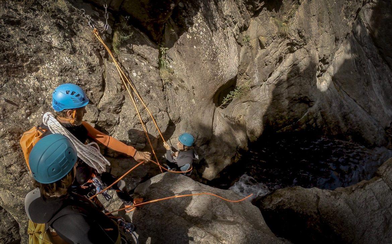 Session canyoning dans les Gorges du Llech