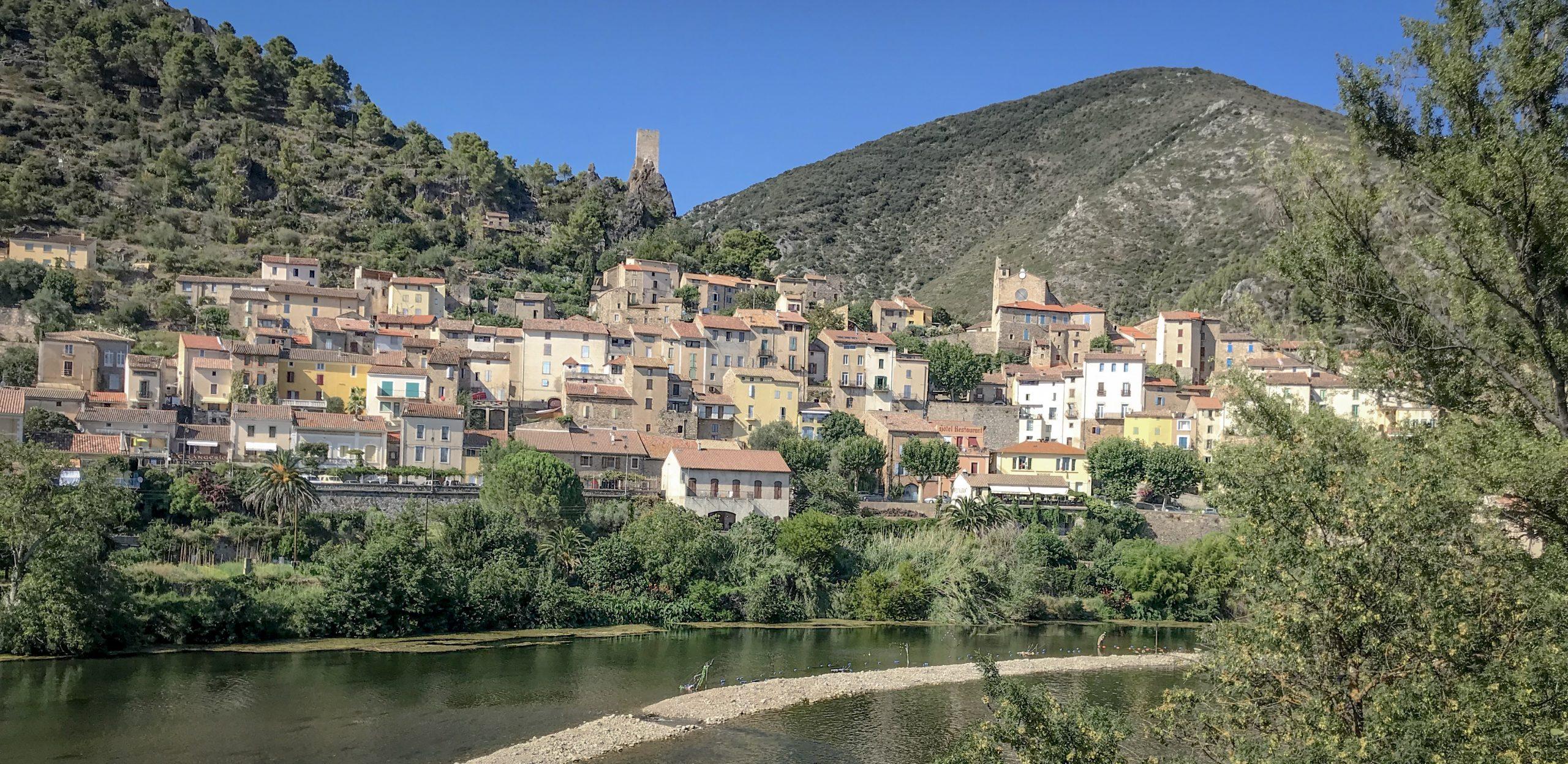 roquebrun village herault vallée de l'orb