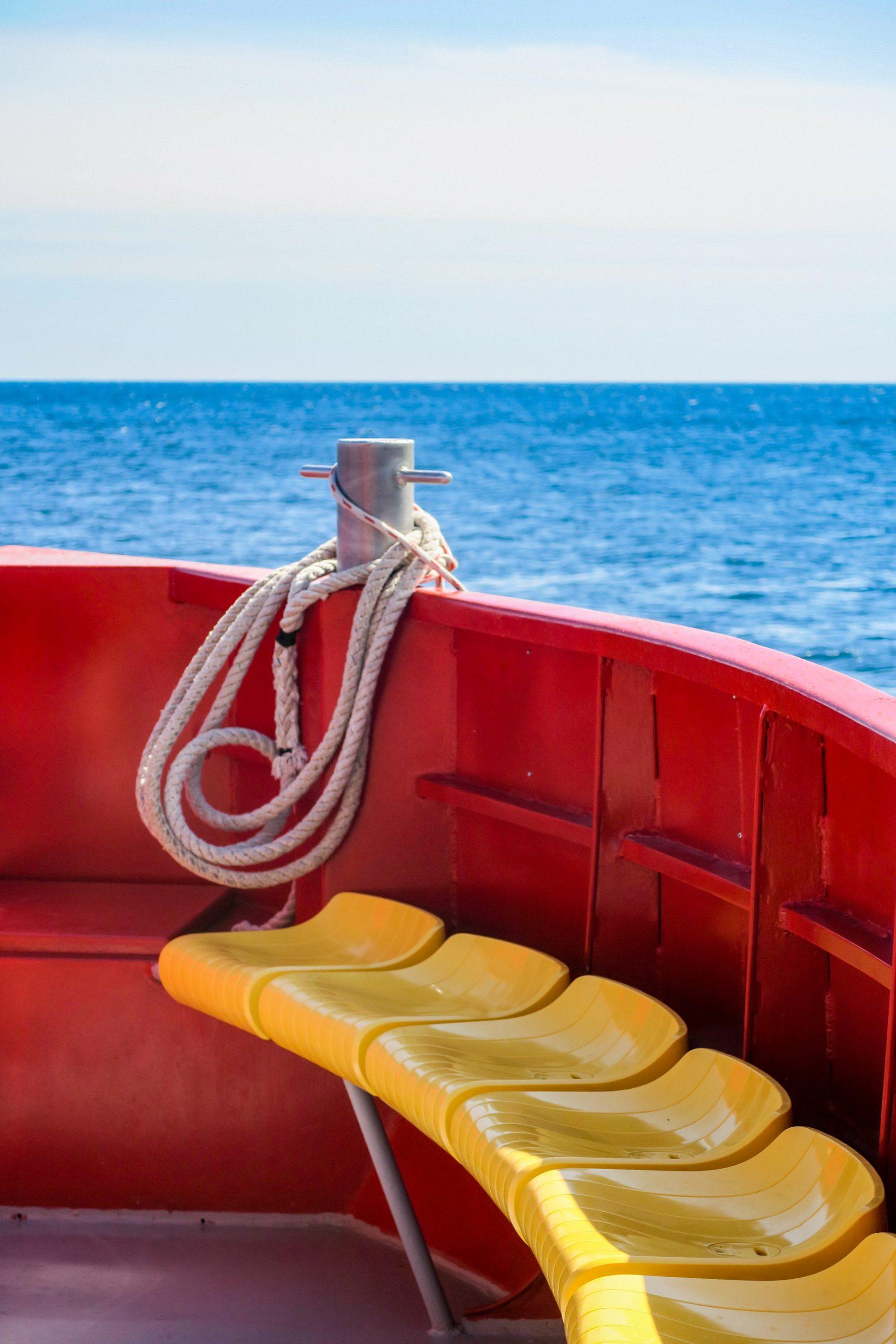 bateau sur la cote vermeille le barracuda