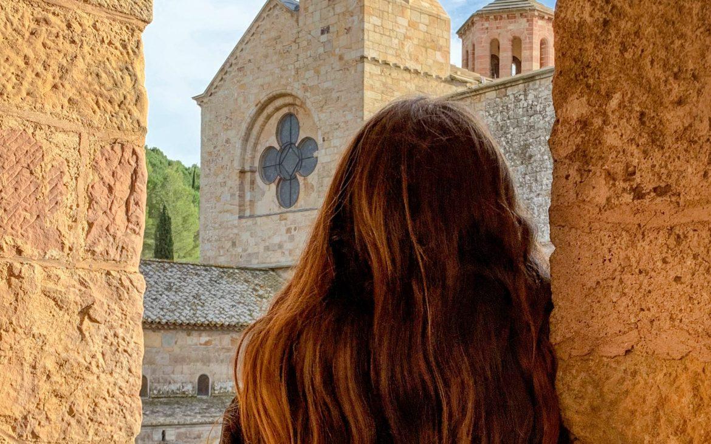 vue sur l'abbaye de fontfroide