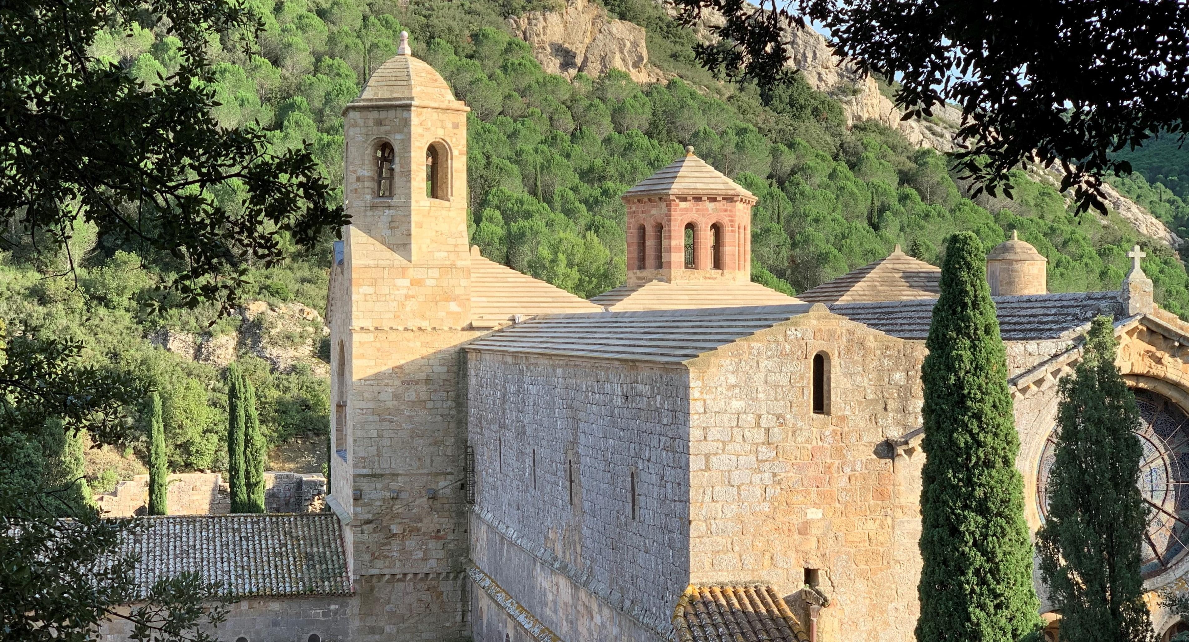 abbaye de fontfroide via le sentier découverte