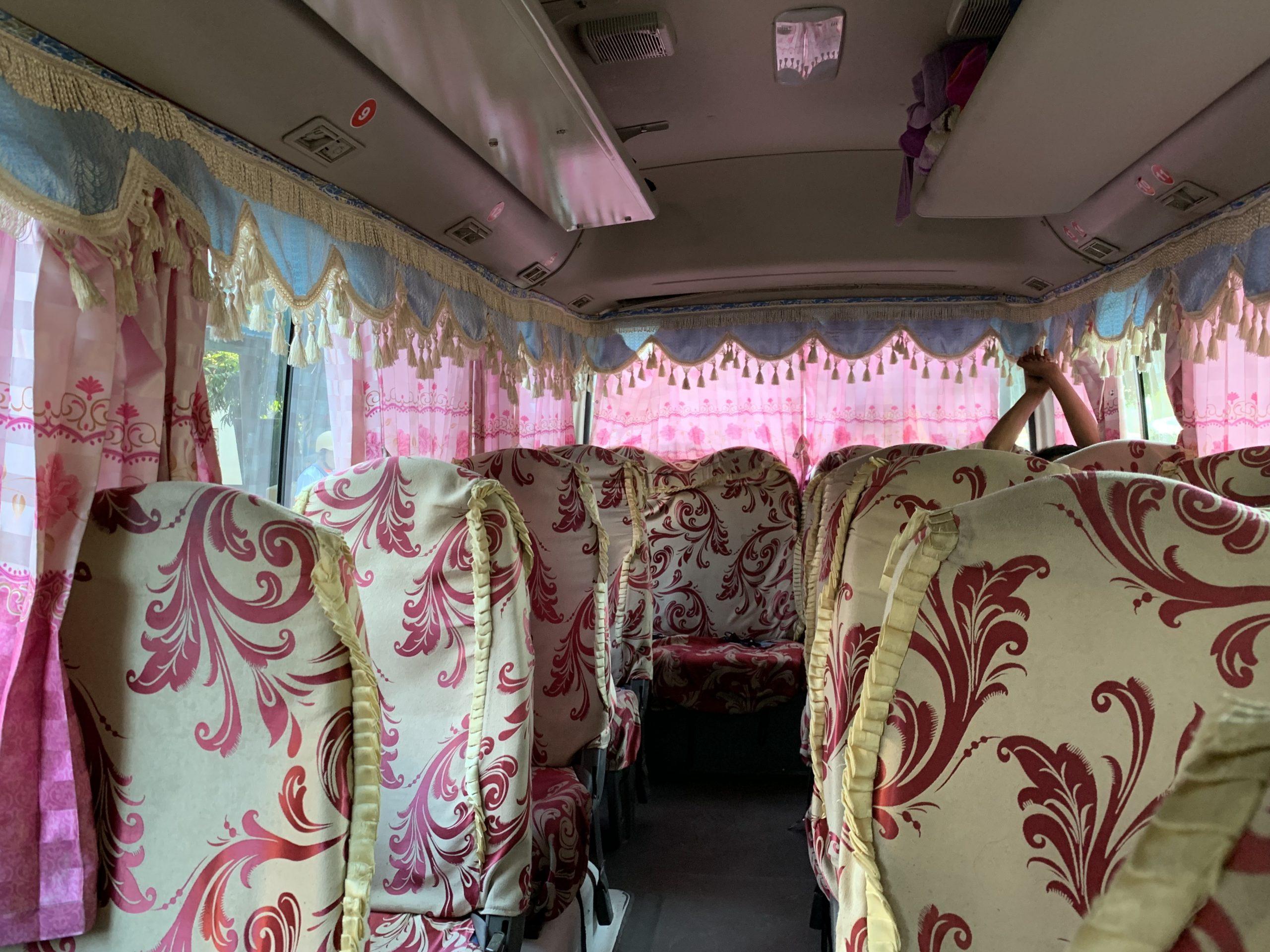 l'intérieur des bus en birmanie