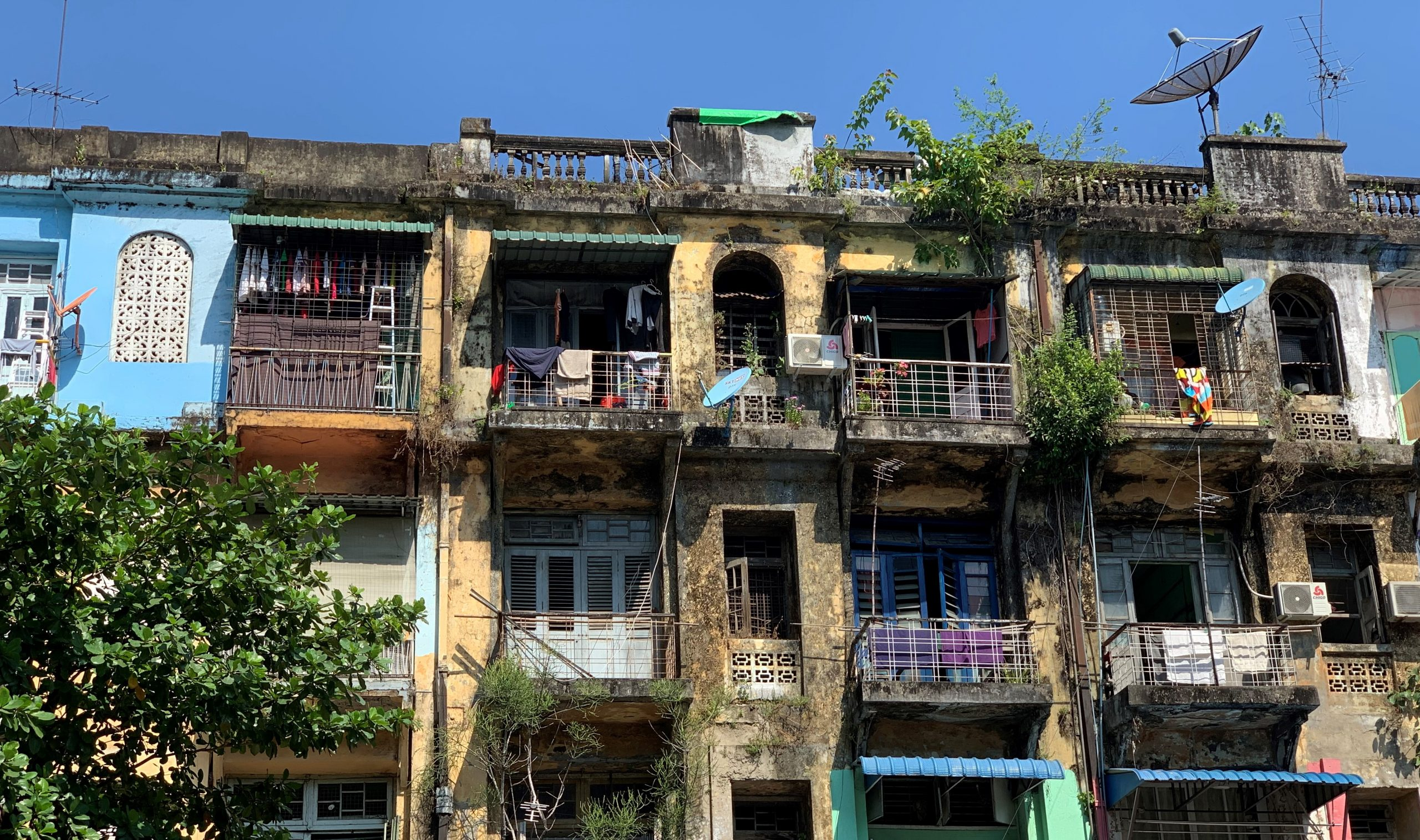 Facades bordéliques de Yangon