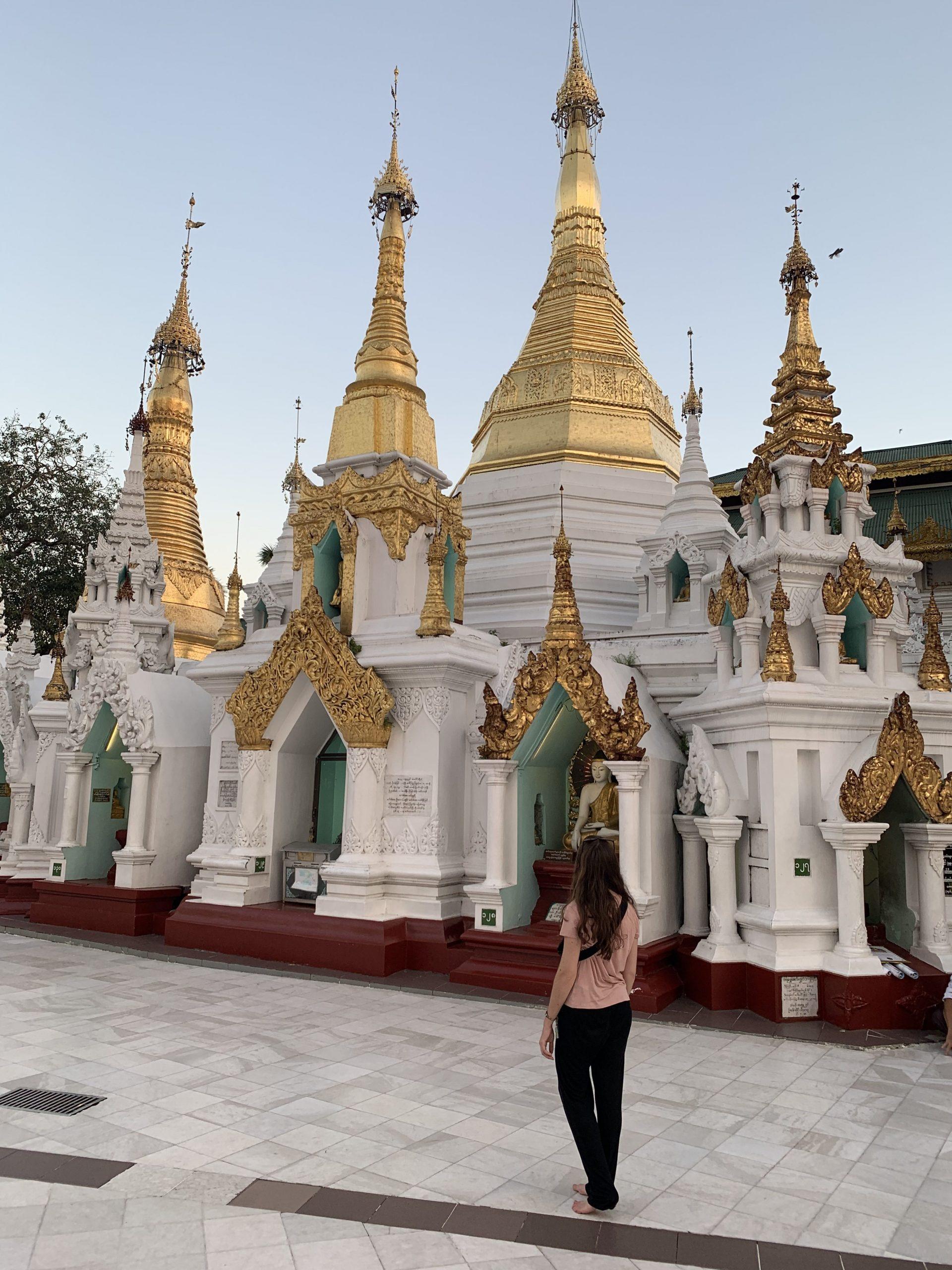 l'intérieur de la pagode shwedagon