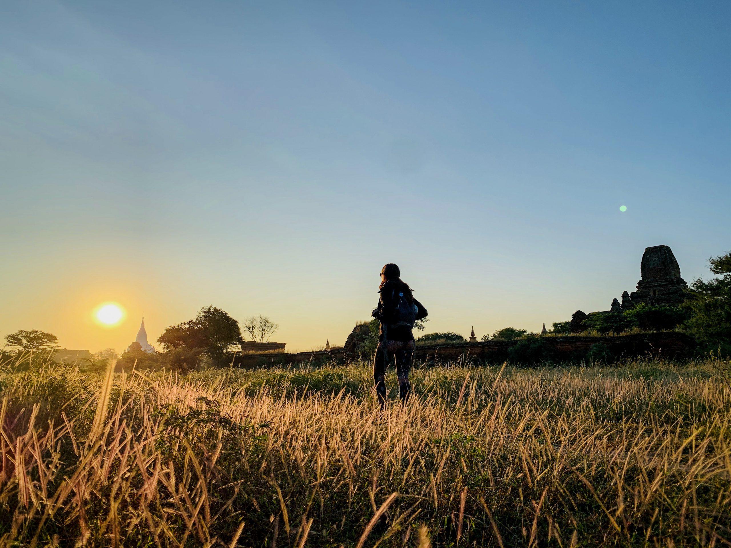 bagan au lever de soleil birmanie
