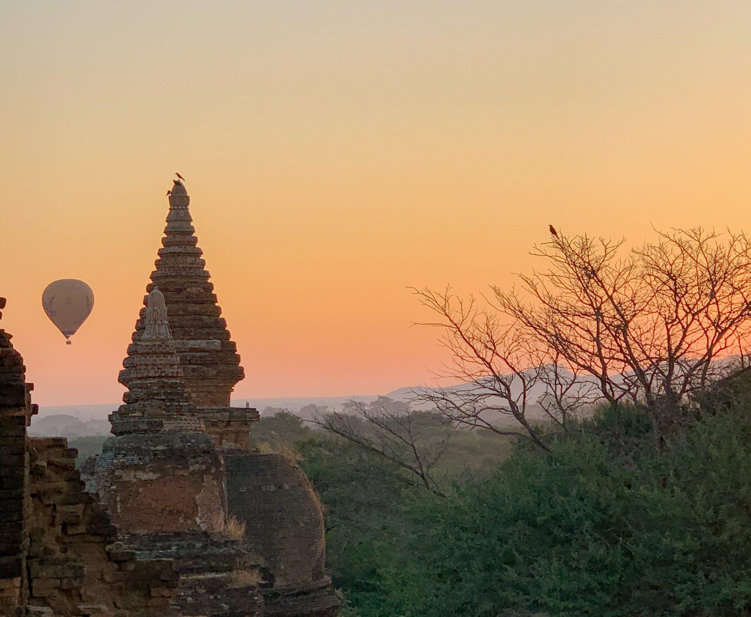 la magie de bagan en birmanie