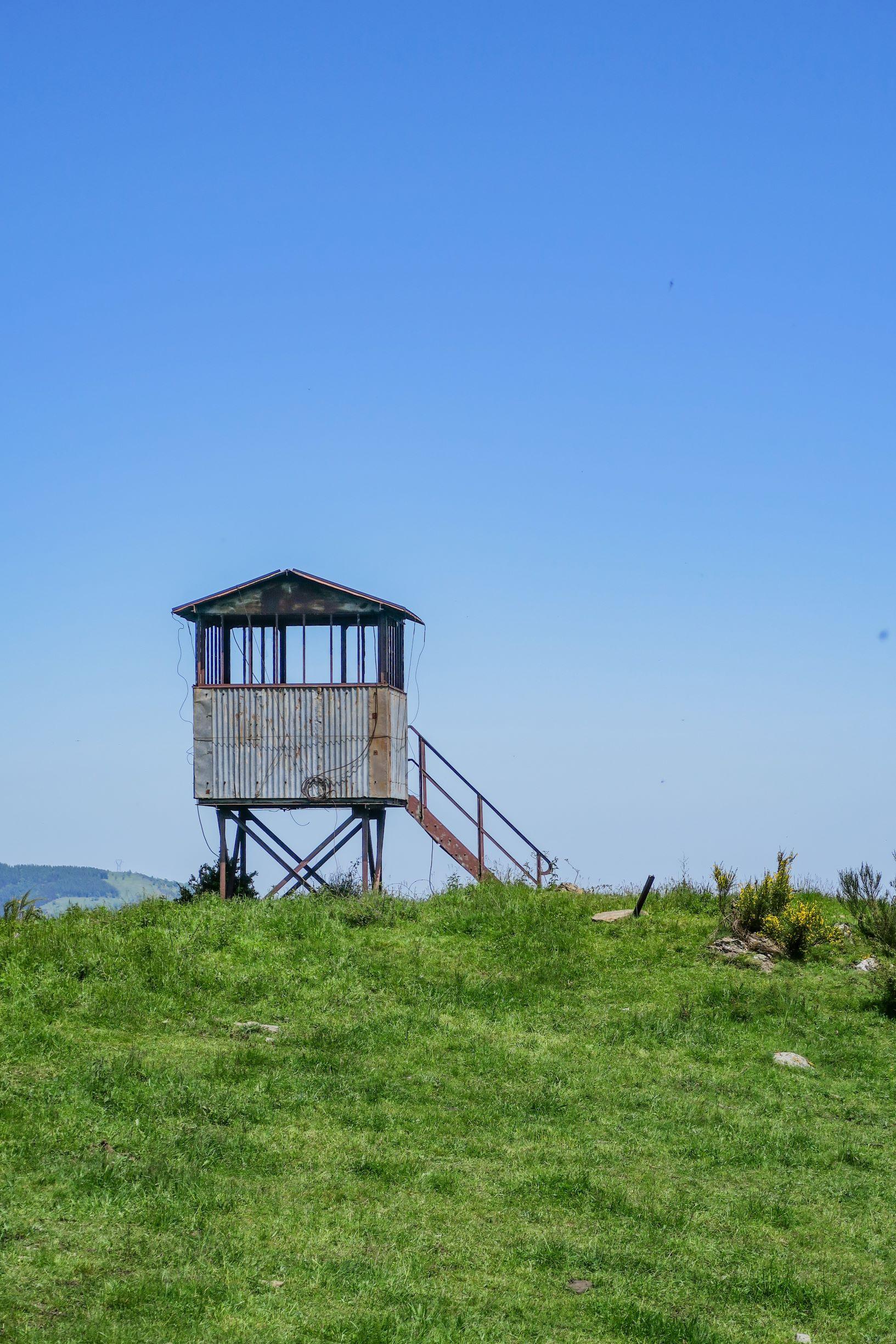 cabane sur le sentier de la tour del mir