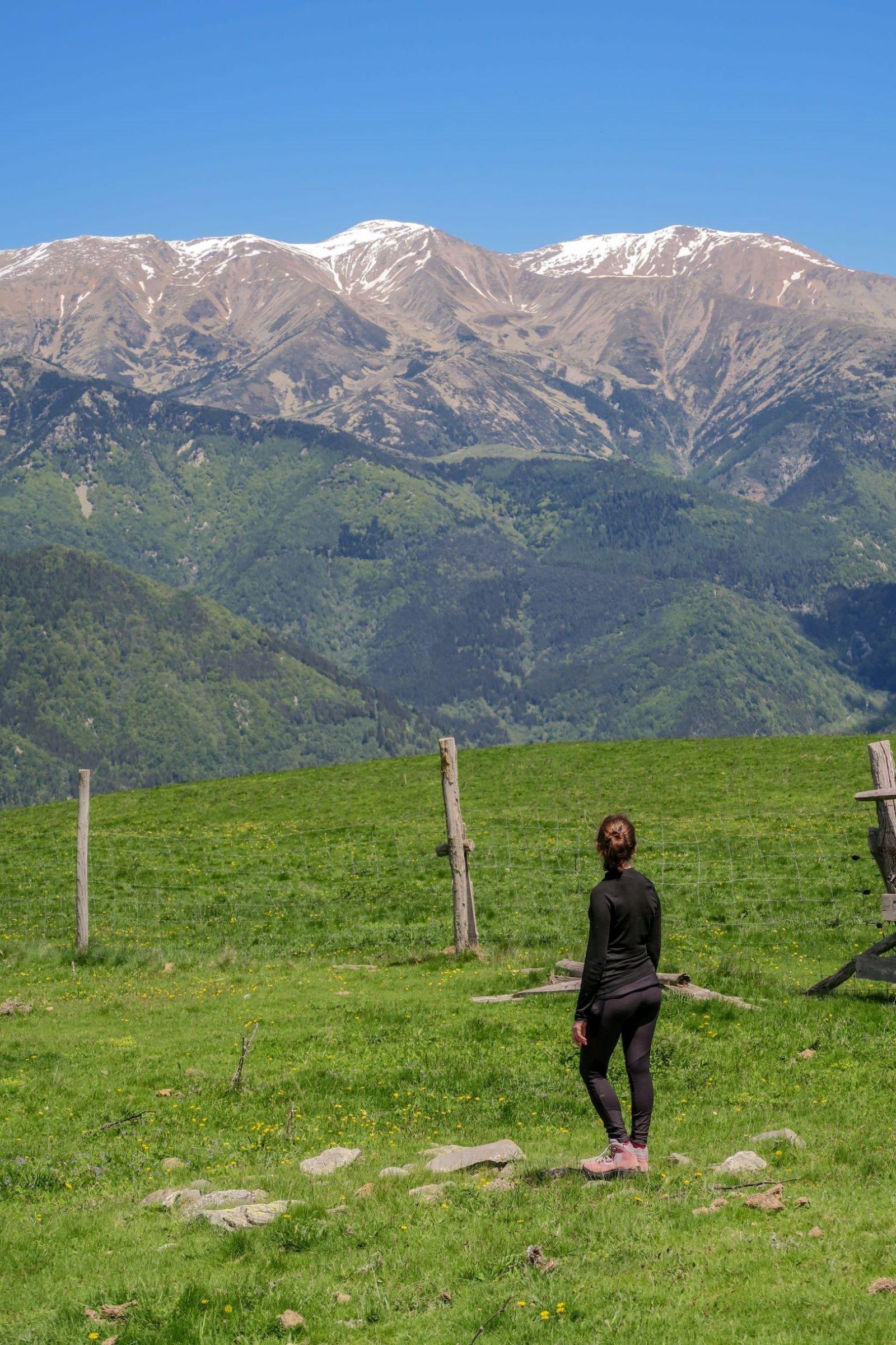 massif du canigou depuis la randonnée tour del mir
