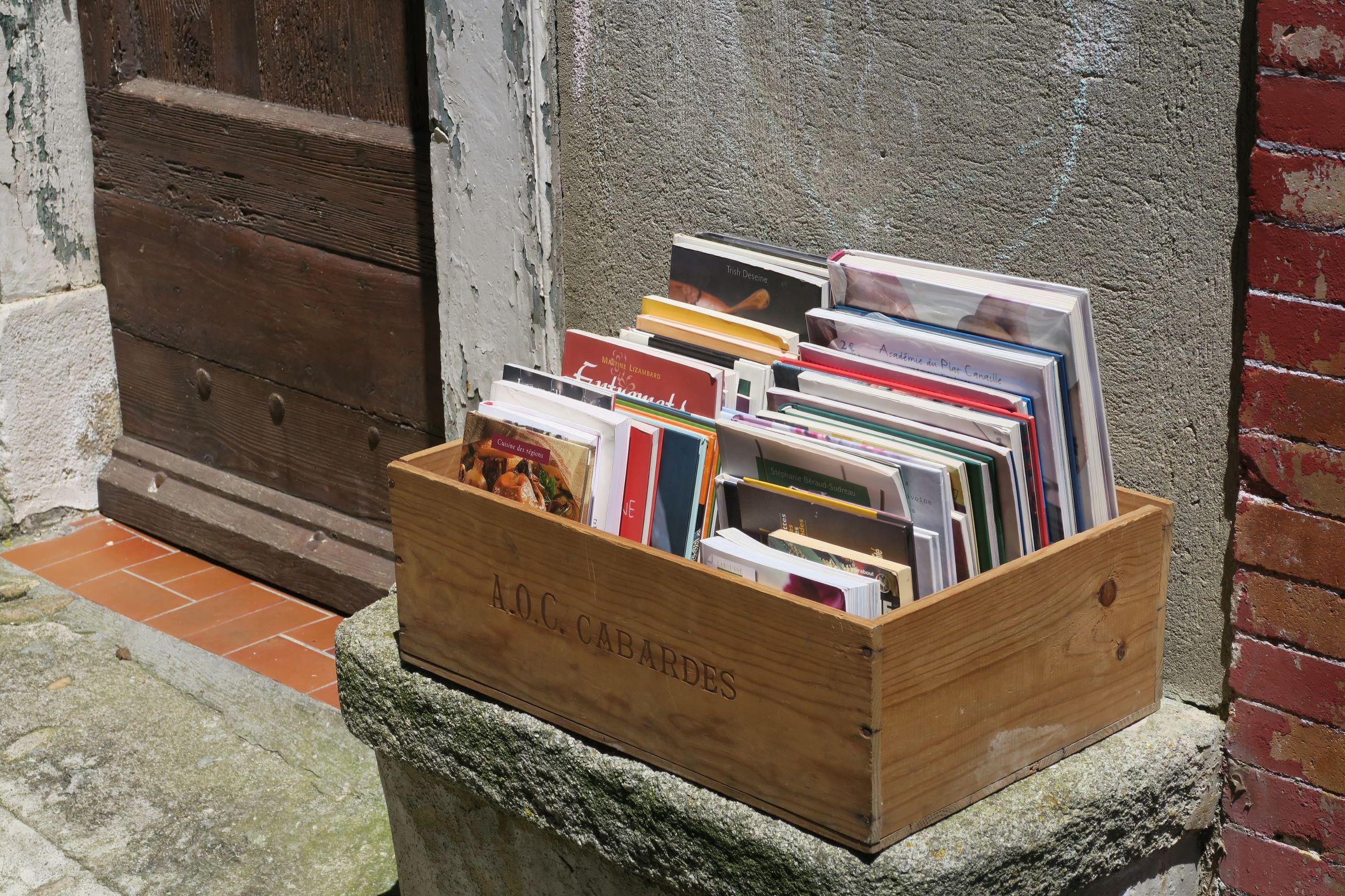 visiter montolieu le village du livre et des arts