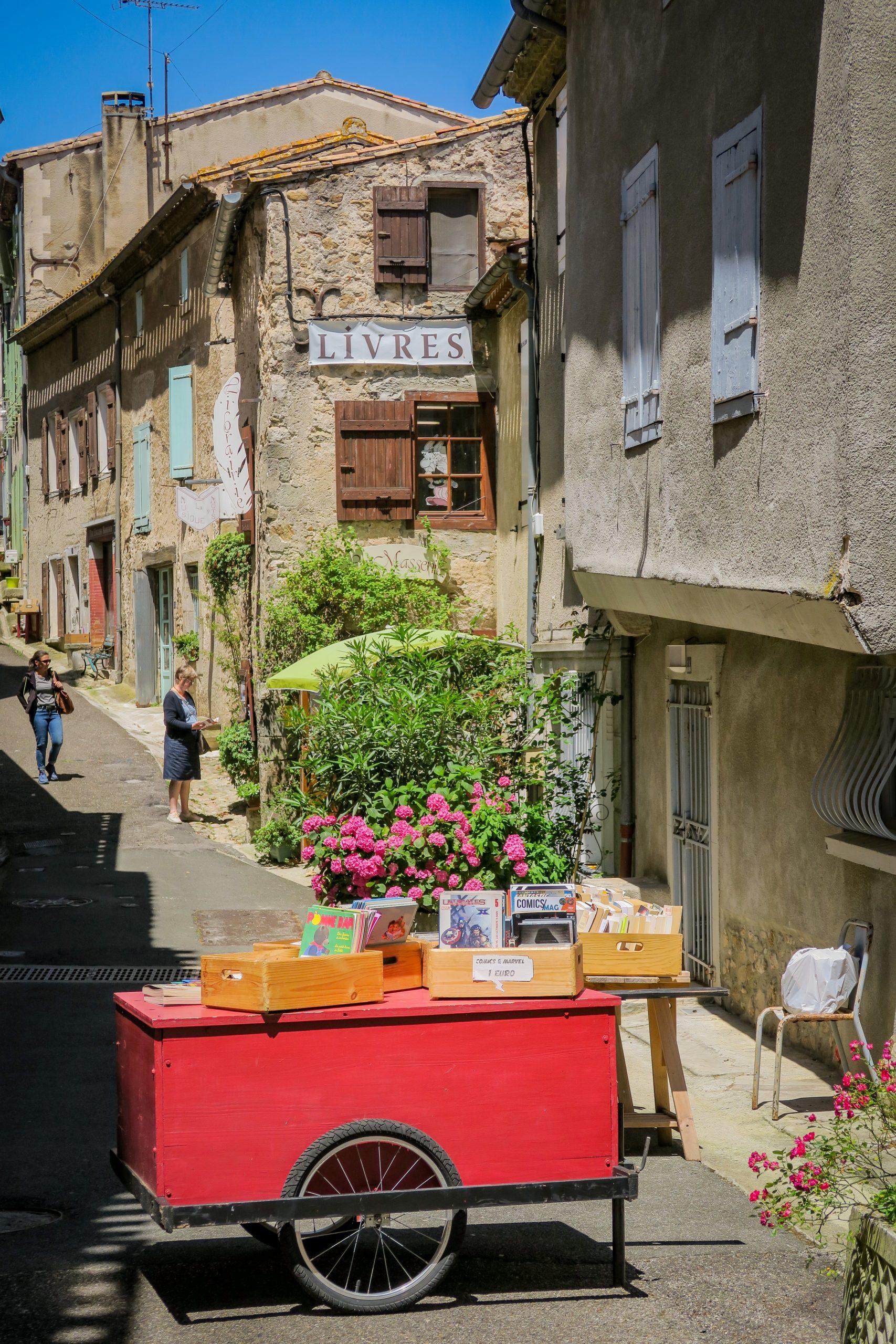 visiter montolieu le village du livre