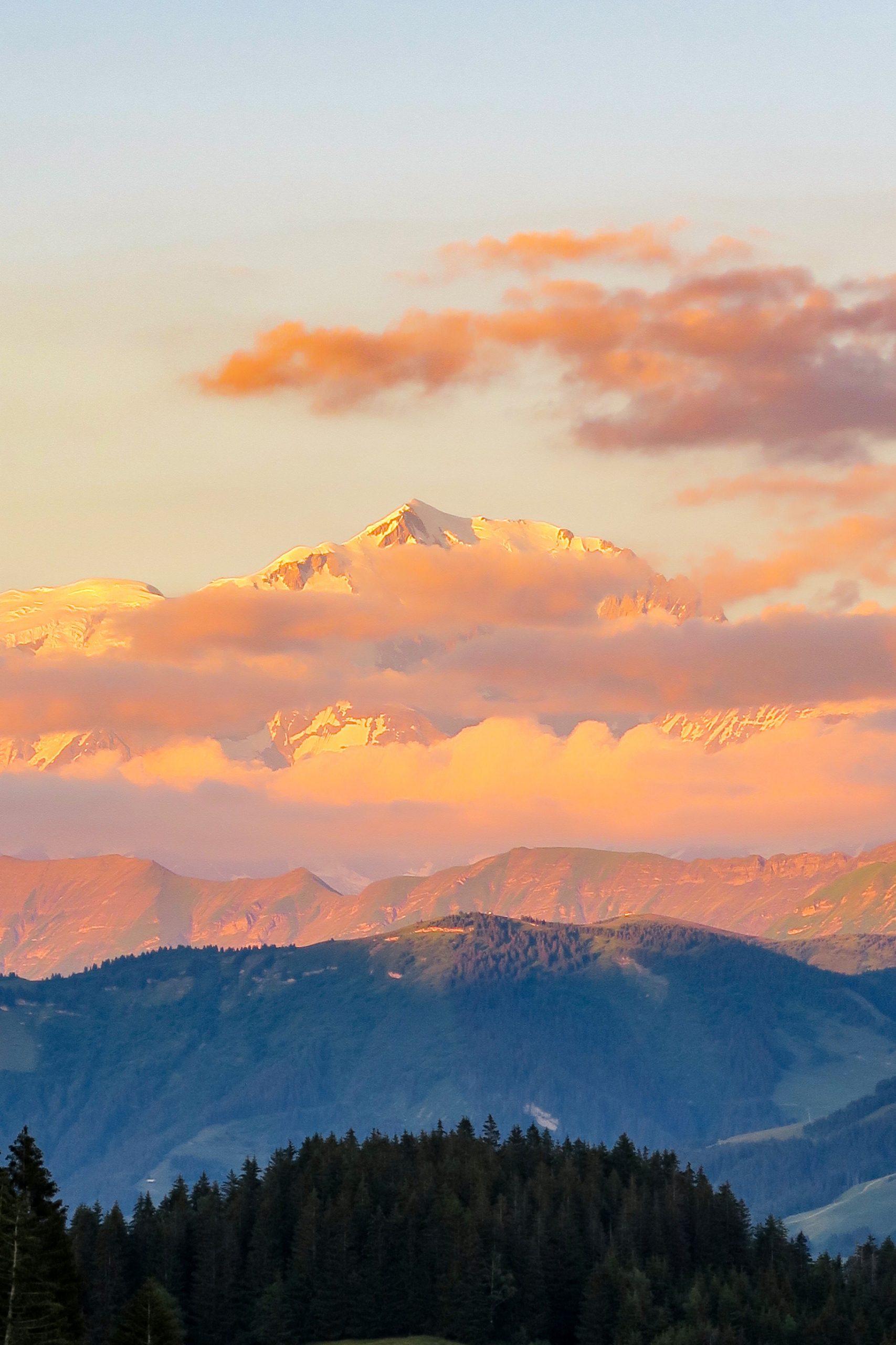 coucher de soleil sur le mont blanc col de l'arpettaz