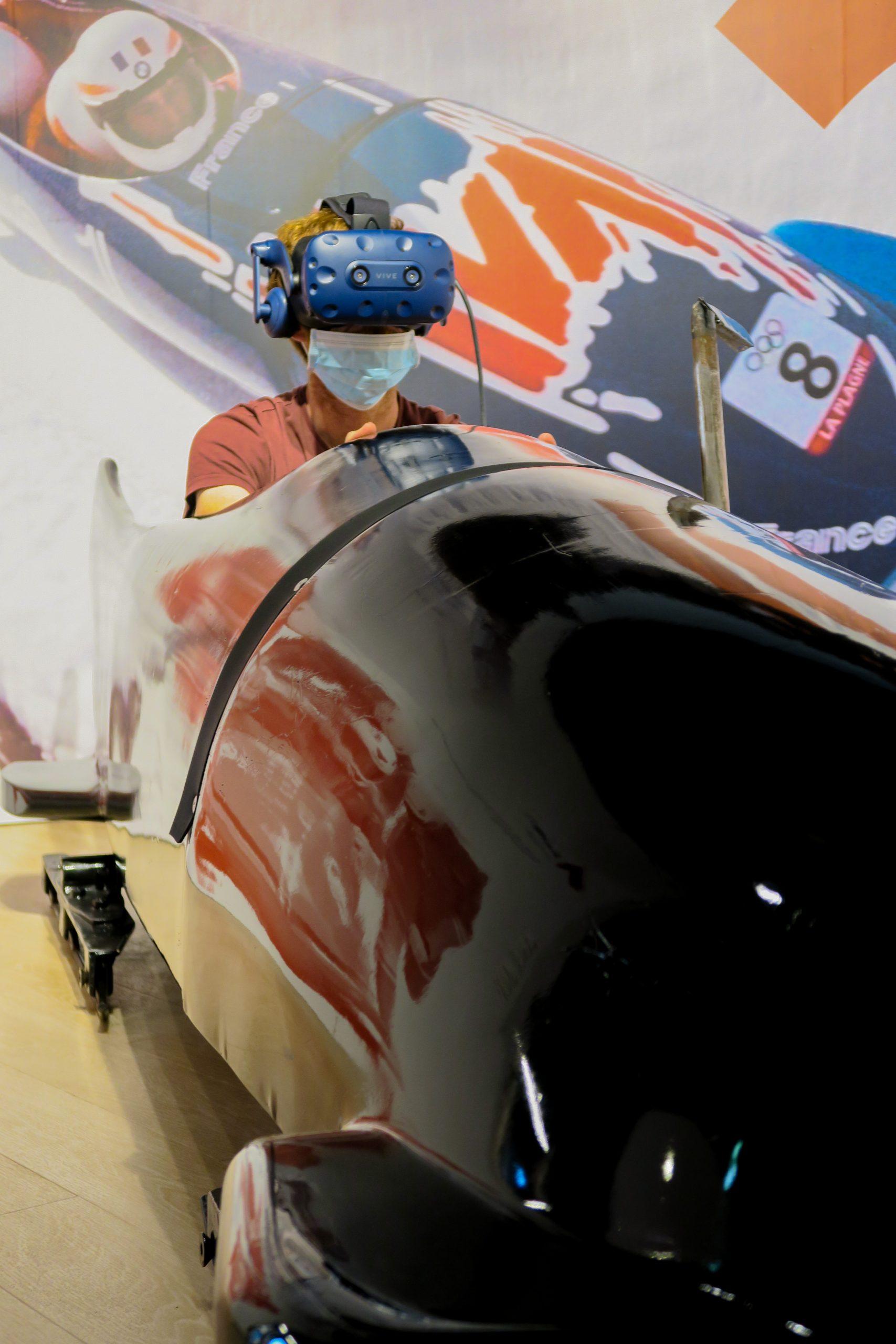 Mathieu qui fait du bobsleigh dans Tremplin 92