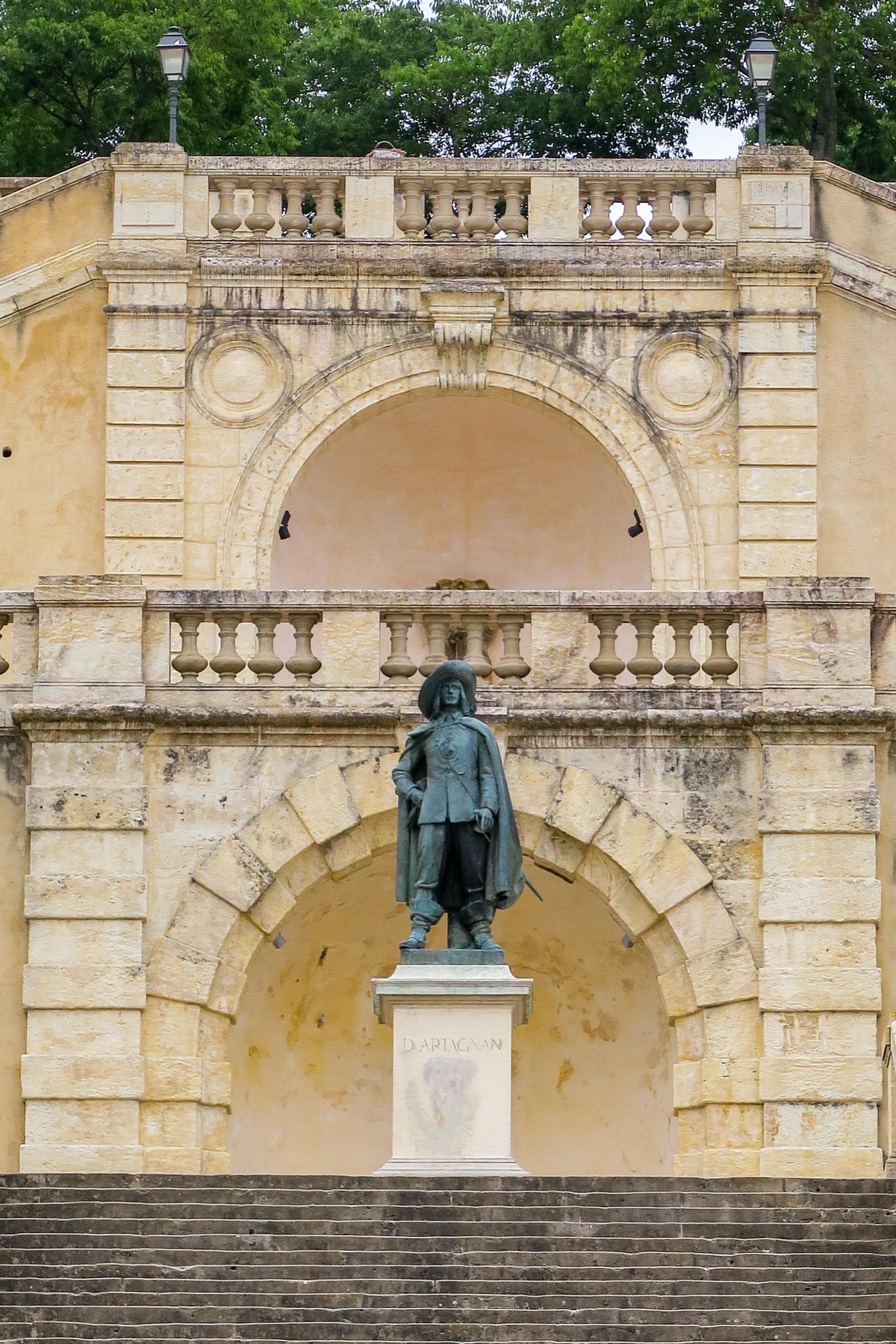 statue d'artagnan auch