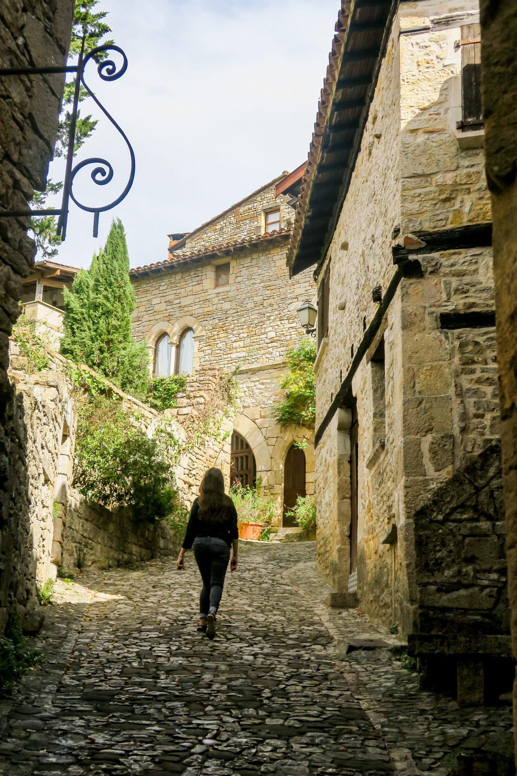 village de Bruniquel blog kikimagtravel