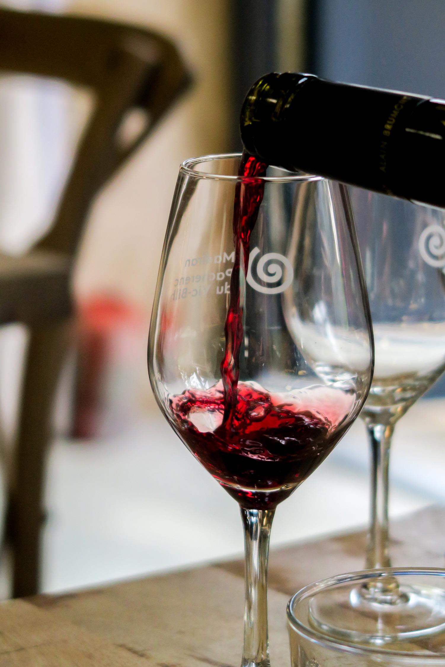 vin rouge du château bouscassé