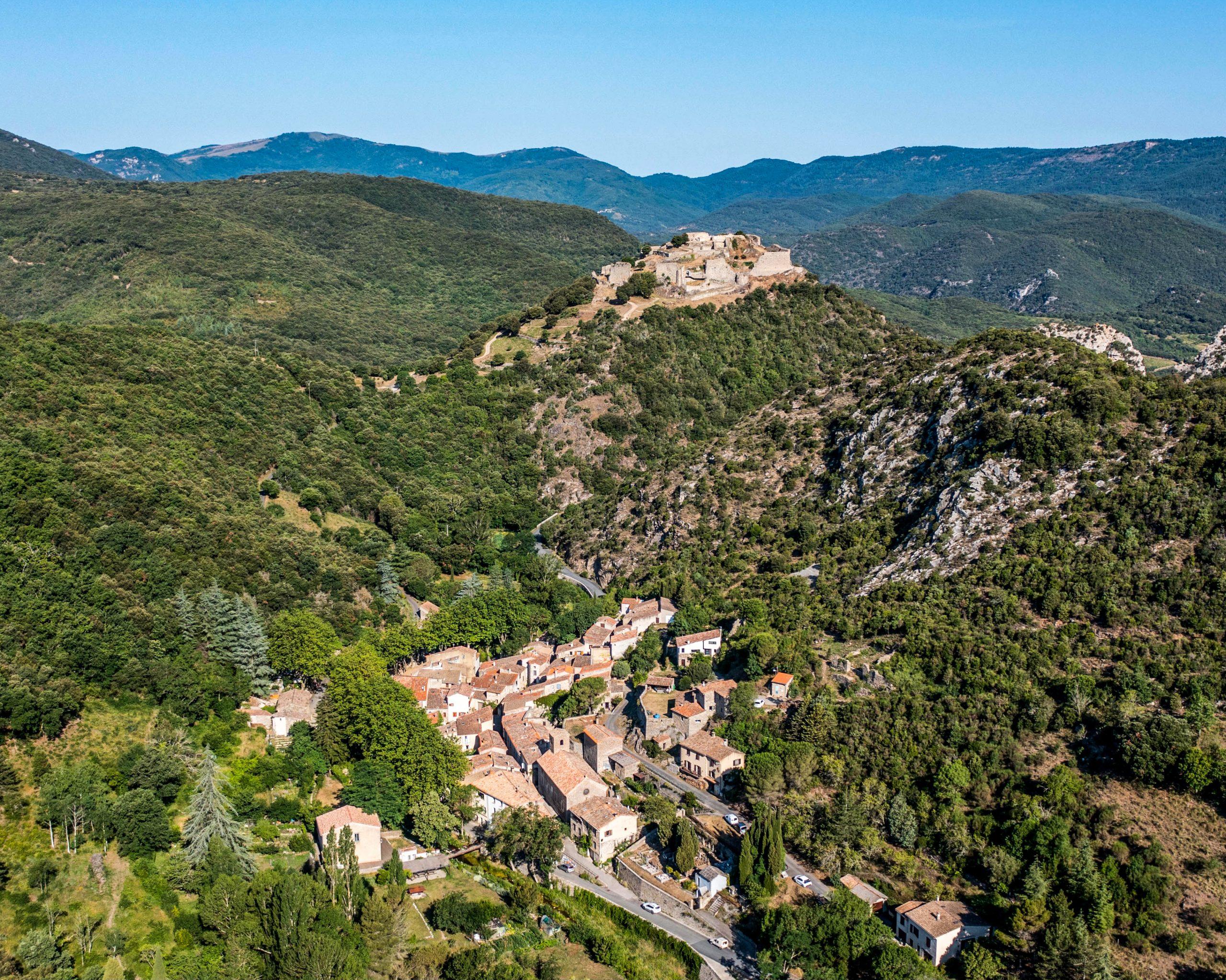 village de termes et son château cathare